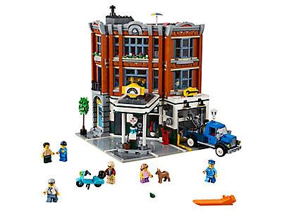 LEGO Garage op de hoek (10264)